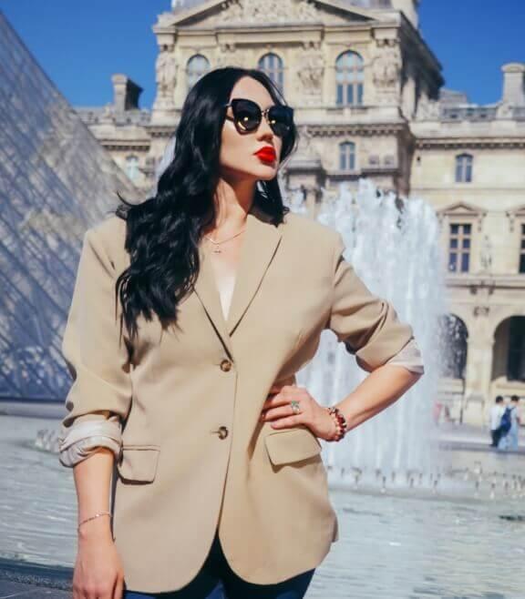Певица Мира отправляется на масштабное событие для всей fashion индустрии